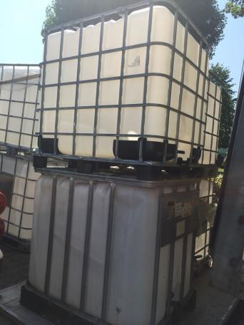 ibc water tanks for sale in uk 56 used ibc water tanks. Black Bedroom Furniture Sets. Home Design Ideas