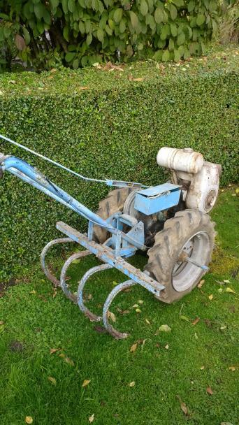 Rotovators second hand gardening tools and equipment for Gardening tools ireland