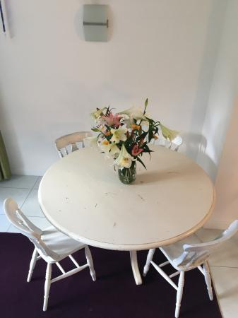 Cream Shabby Chic Dining Table Project 4 Chairs