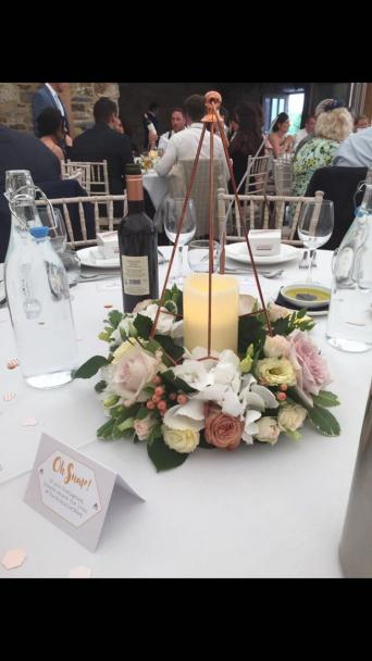 I Am Selling All Of My Wedding Decoration Would Prefer To Sell Everything As A Full Package It Compliments Each Other Perfectly