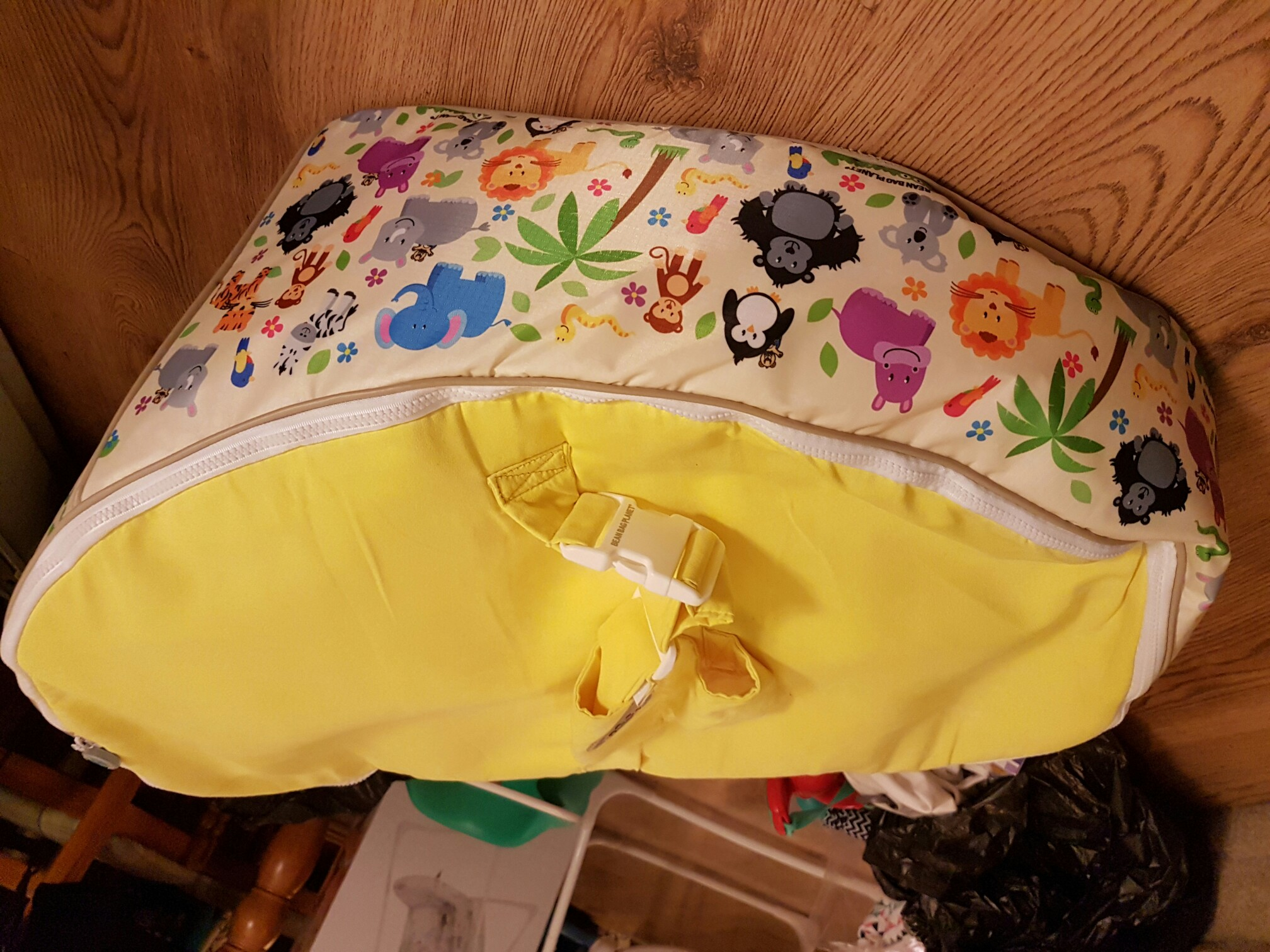 Baby bean bag chair for sale in uk view 66 bargains for Hand shaped bean bags