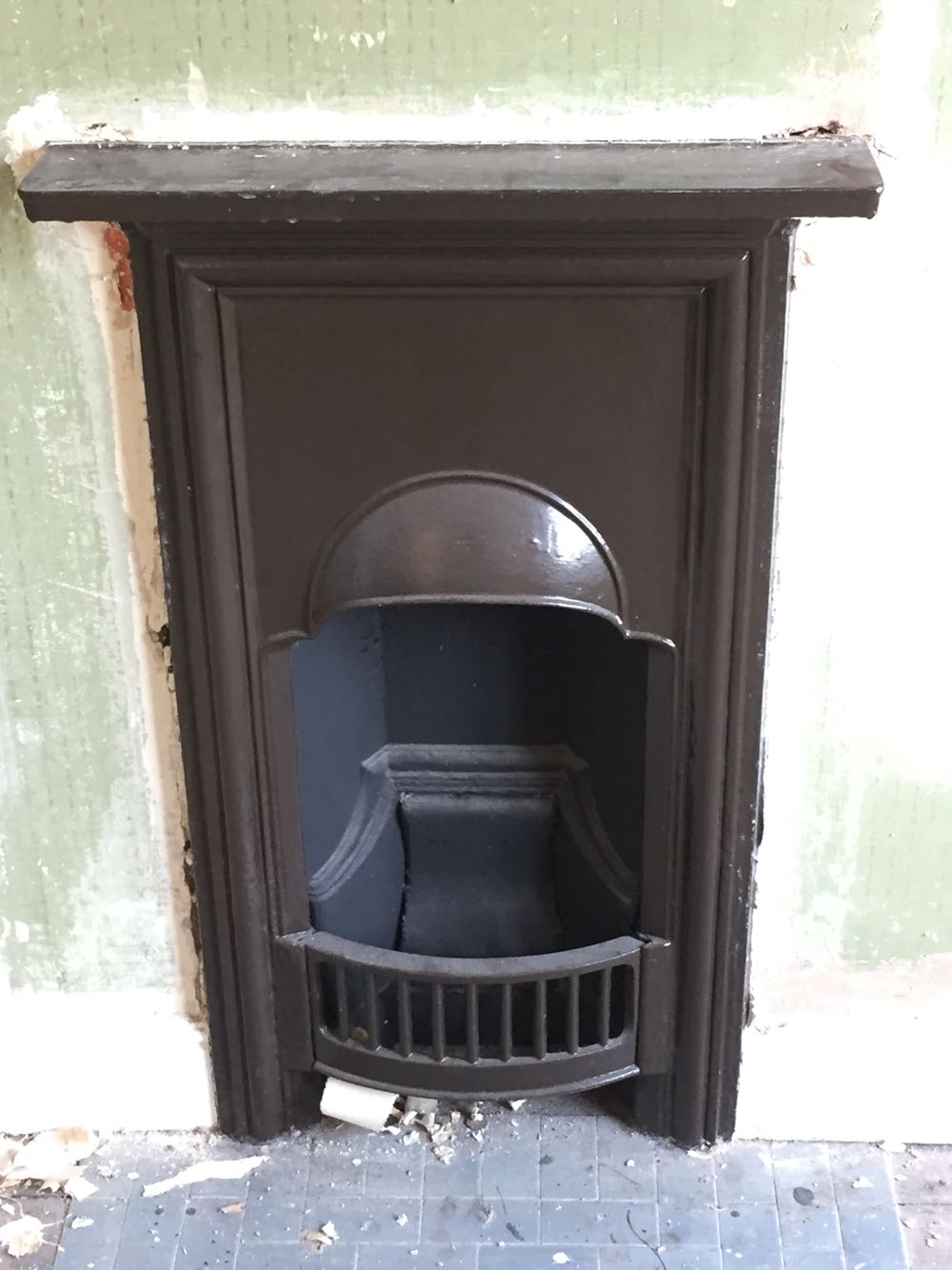 Victorian Fireplace Surround Cast Iron For Sale In UK