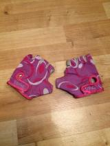 Girls cycling gloves - £4