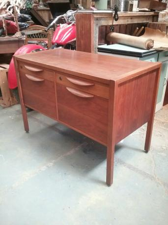 Mid Century Jens Risom Design Credenza Sideboard mid century furniture   Second Hand Household Furniture  Buy and  . Mid Century Sofa Buy Uk. Home Design Ideas