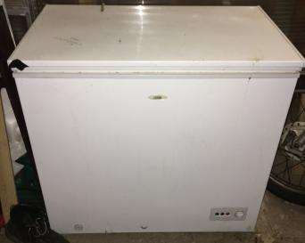 chest freezer for sale in uk 69 used chest freezers. Black Bedroom Furniture Sets. Home Design Ideas