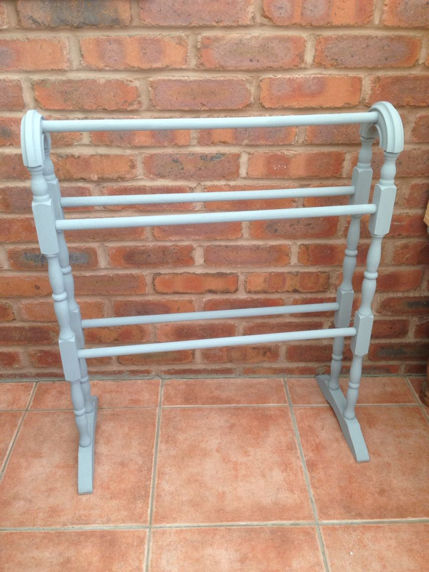 Towel rack for sale in uk 112 second hand towel racks for Shabby chic towel stand