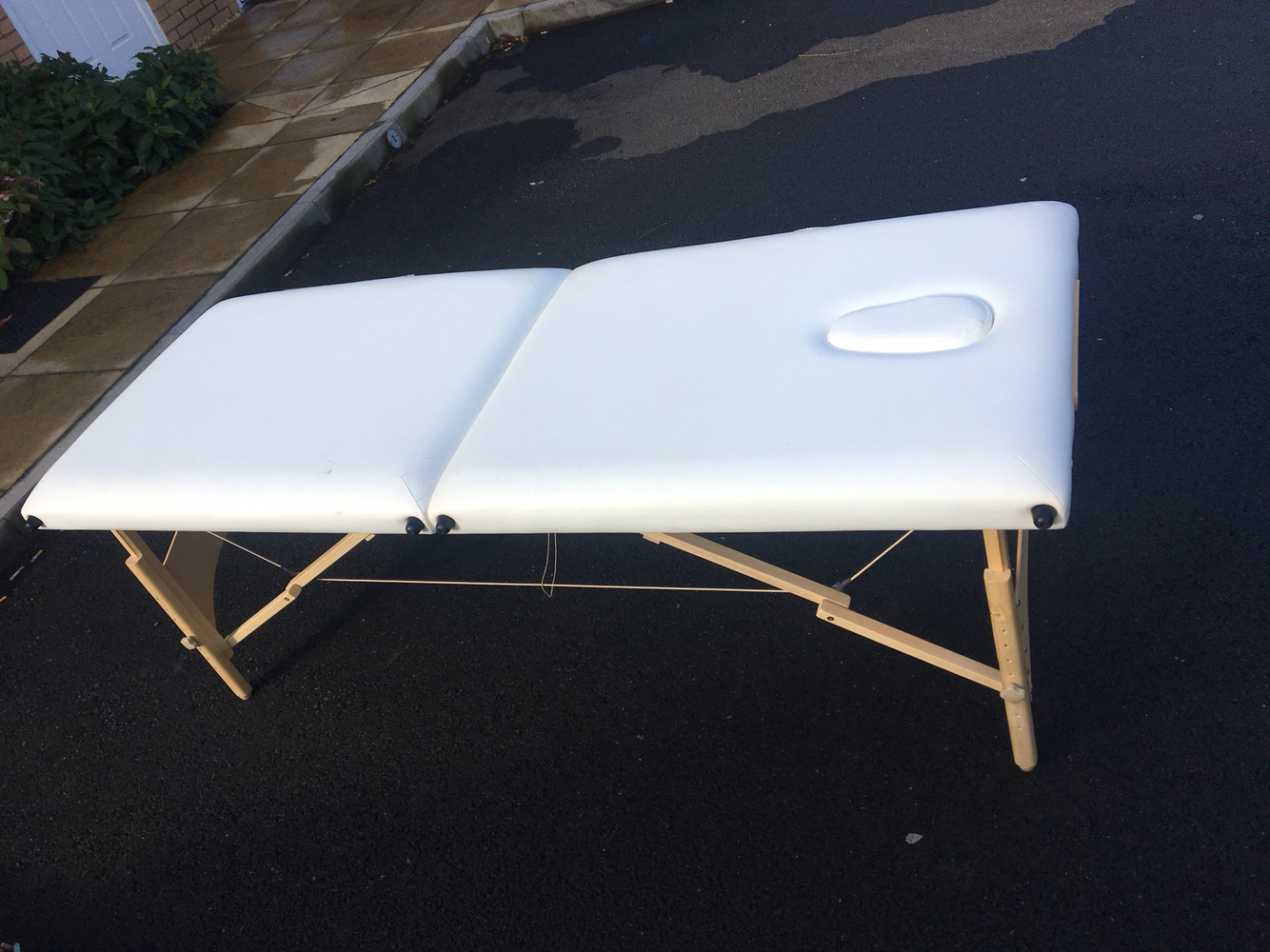 new wave large white leather massage table for sale very sturdy itu0027s in excellent condition as iu0027ve only used it a couple of times is no longer needed - Massage Tables For Sale