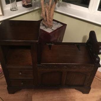 old charm second hand household furniture buy and sell. Black Bedroom Furniture Sets. Home Design Ideas