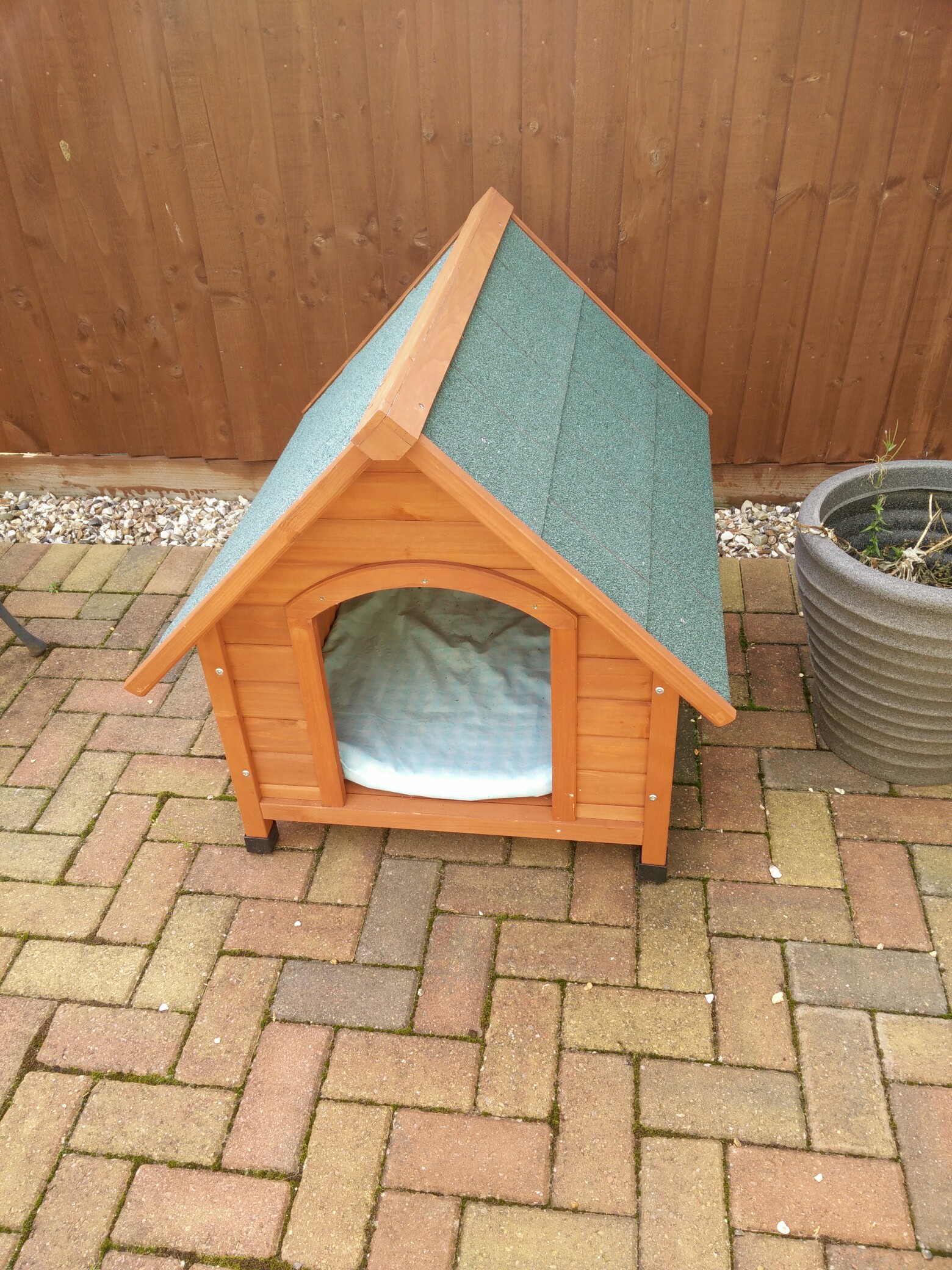 dog kennel new never used