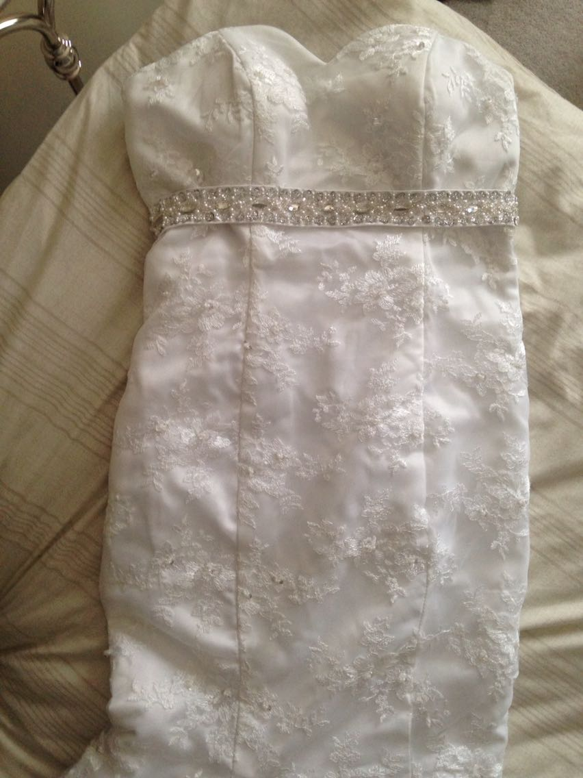 Buy second hand wedding dress