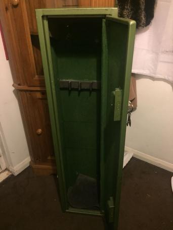 gun cabinet for sale in uk 84 second hand gun cabinets. Black Bedroom Furniture Sets. Home Design Ideas