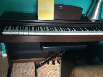yamaha electric piano for sale in uk view 81 bargains. Black Bedroom Furniture Sets. Home Design Ideas