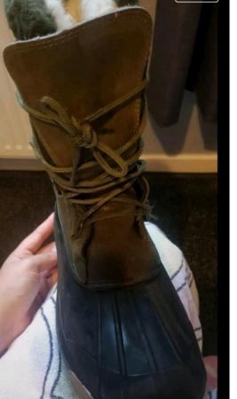 Image 2 of skee tex boots size 6 unisex