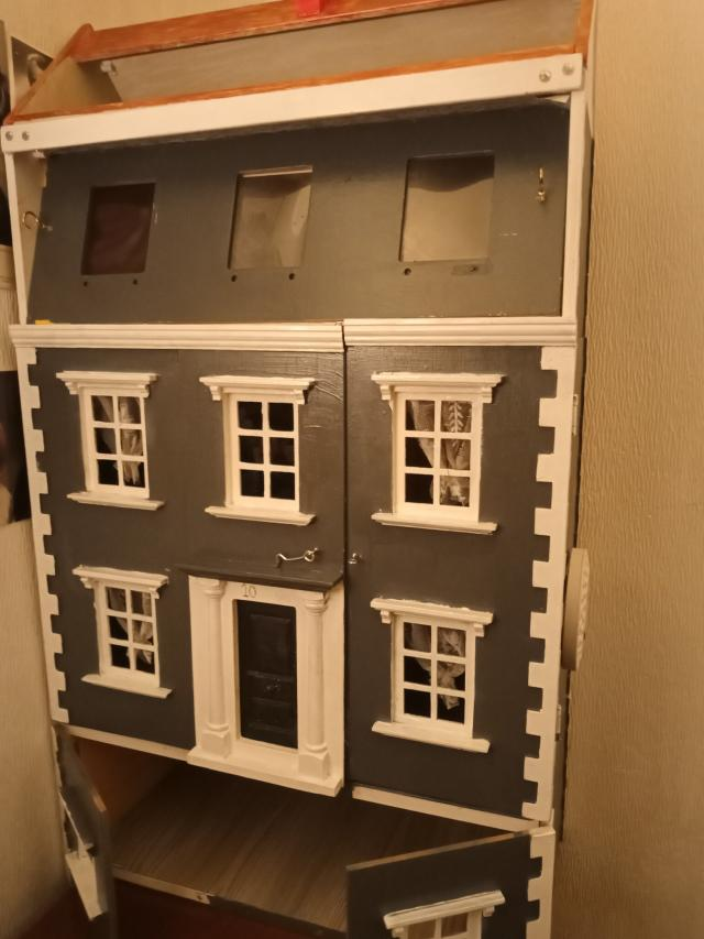 Preview of the first image of wooden dolls house.