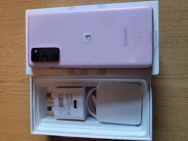 Image 3 of Samsung s20 fe (cloud lavender)