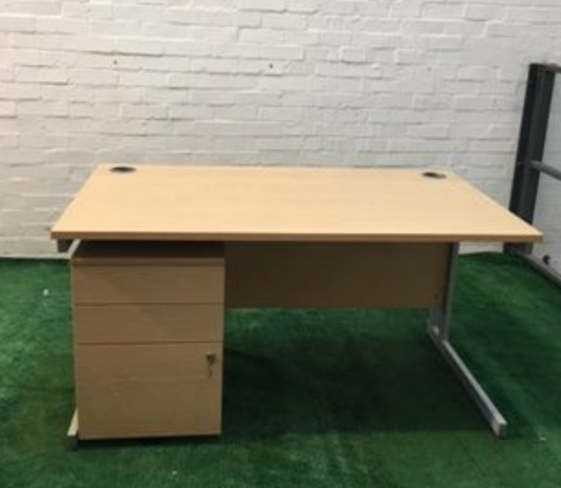 desk second hand office furniture buy sell and advertise preloved rh preloved co uk