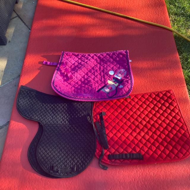 Preview of the first image of PONY SIZE SADDLE PADS.