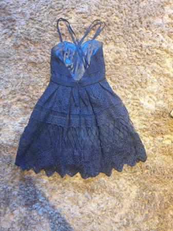 Image 3 of Chi Chi navy laced dress Petite 6