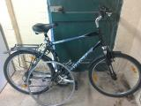 men's large mountain bike with lock pump and spare wheel - £45