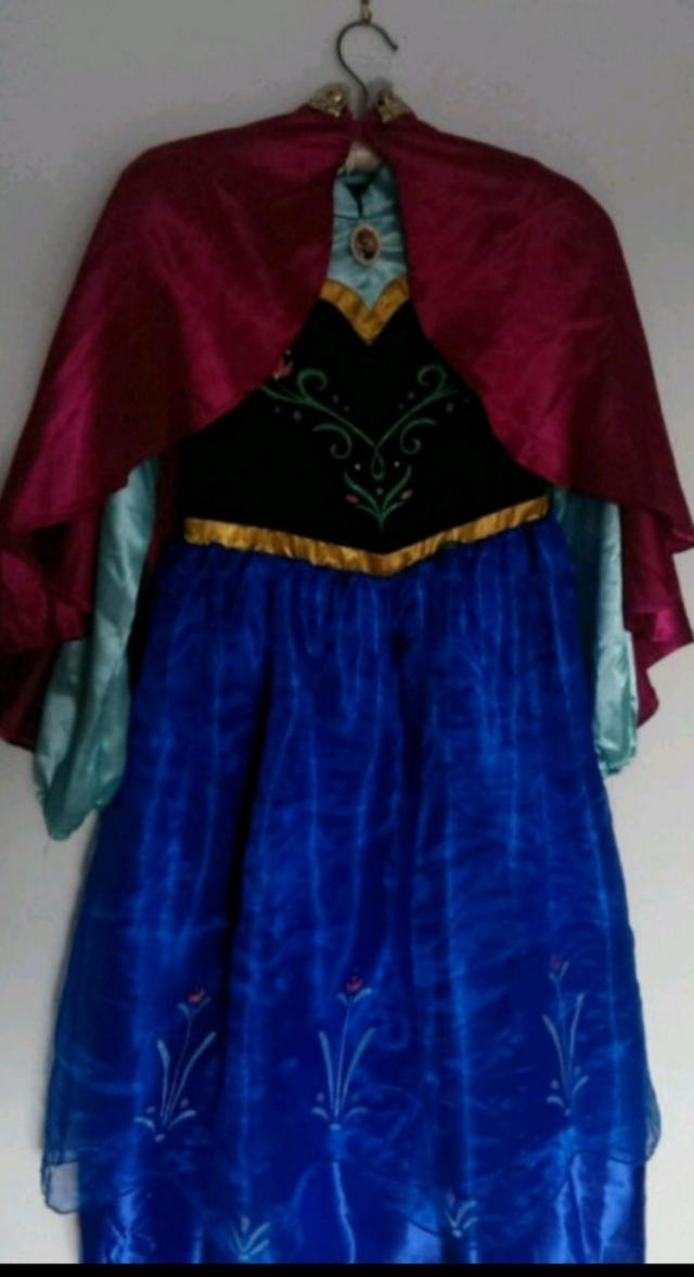 Preview of the first image of Anna dress Frozen costume 9-10years like NEW.