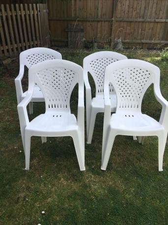 4 plastic garden chairs - Garden Furniture Kings Lynn