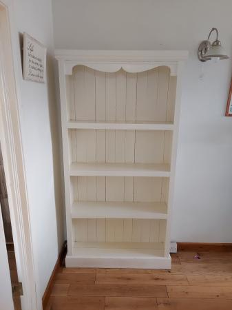 Image 2 of Solid pine bookcase