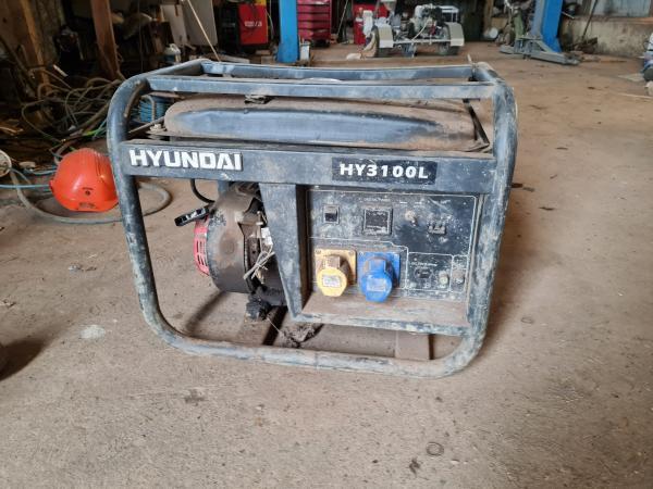 Image 1 of hyundai 3100 generator quiet