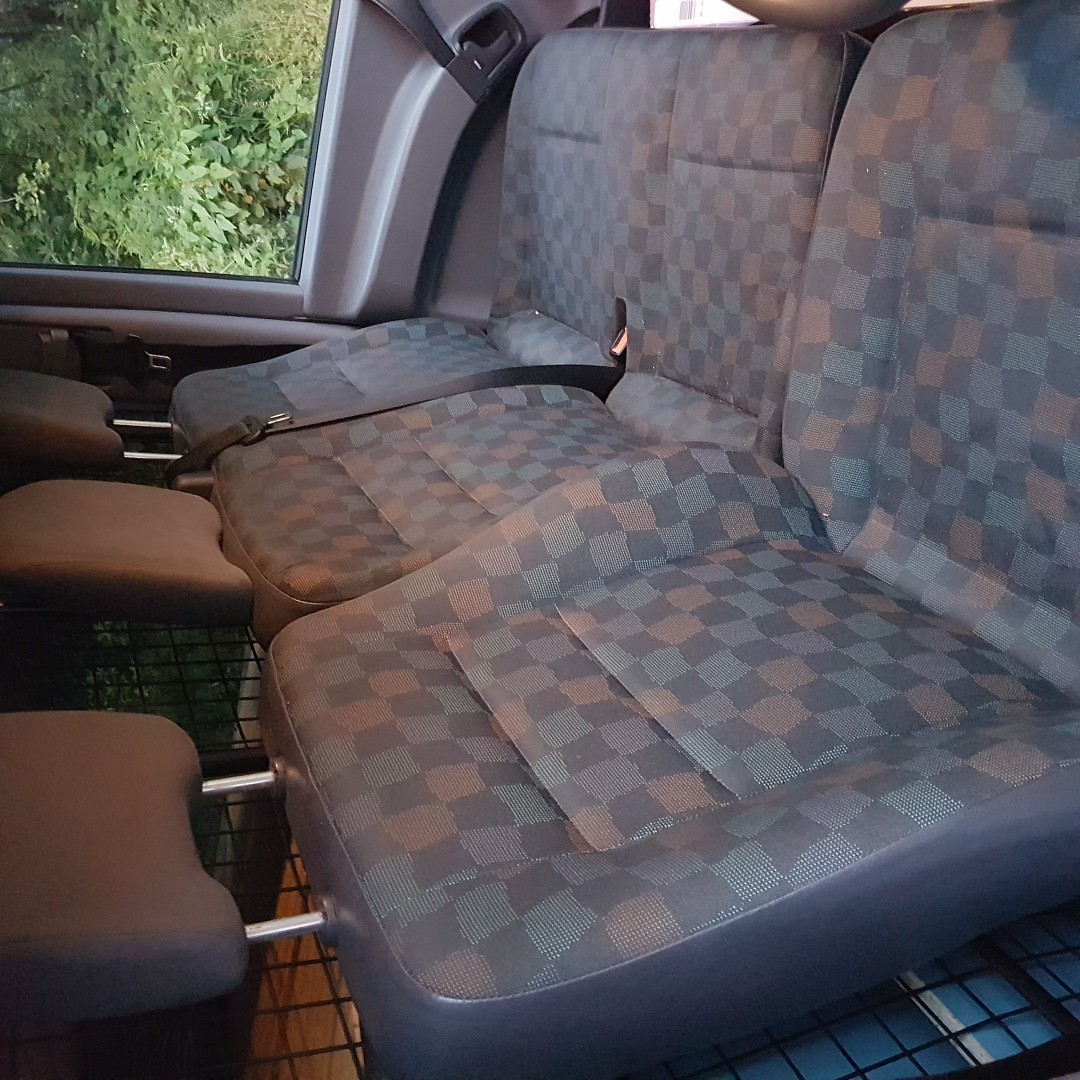 2000 reg mercedese vito front seats in good condition - Bury, Lancashire - 2000 reg mercedese vito seats in very good condition - Bury, Lancashire