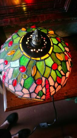 Image 3 of Tiffany style table lamp new