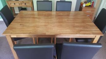 Solid Oak Extendable Dining Table With Six Chairs In Excellent Condition And Hardly Used Dimensions Of Are 4 9 X 3 But Can Be Extended To 5 11 Or