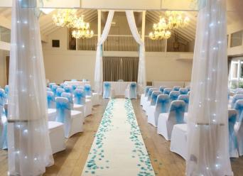 Aisle decorations second hand wedding decorations and accessories available to hire only a gorgeous 28ft creamivory aisle runner with scatter petals in a colour of your choice walk down the aisle in style in a neutral junglespirit