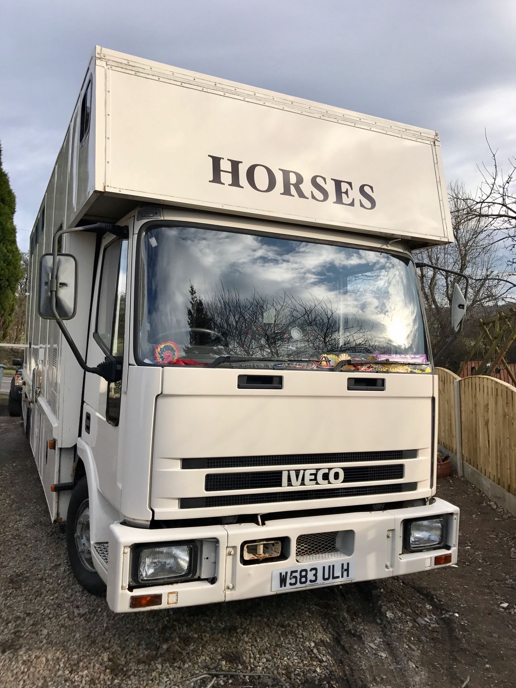 Iveco 75e15 Eurocargo 75 ton horsebox - Morley, West Yorkshire - Ford Iveco 7.5 ton horseboxI have owned this lorry for the past 5 years and it has never let me downNo expense spared on its upkeep and only for sale as I am down sizing Only 139,000 KM on the clockStalled for 3 horsesRug rackLigh - Morley, West Yorkshire
