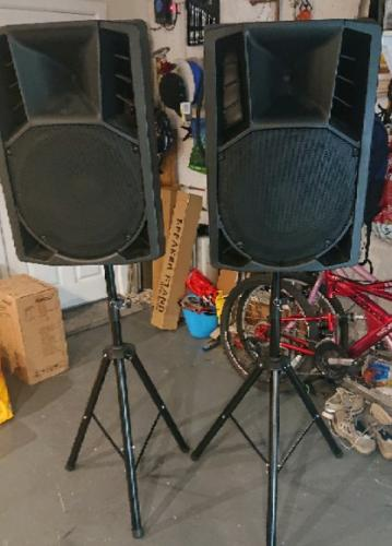 Pair of 3-way speaker cabs for DISCO DJ PARTY 15\'\' & 12