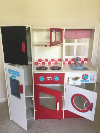 Enjoyable Childrens Wooden Play Kitchen Home Interior And Landscaping Mentranervesignezvosmurscom
