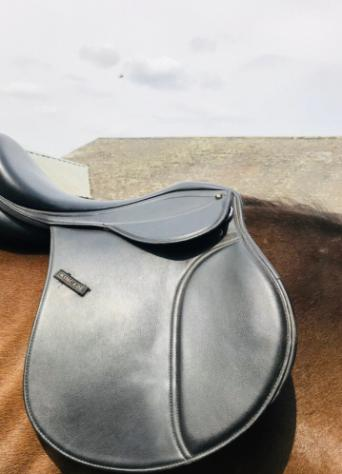 saddles - Second Hand Horse Tack and Clothing, Buy and Sell