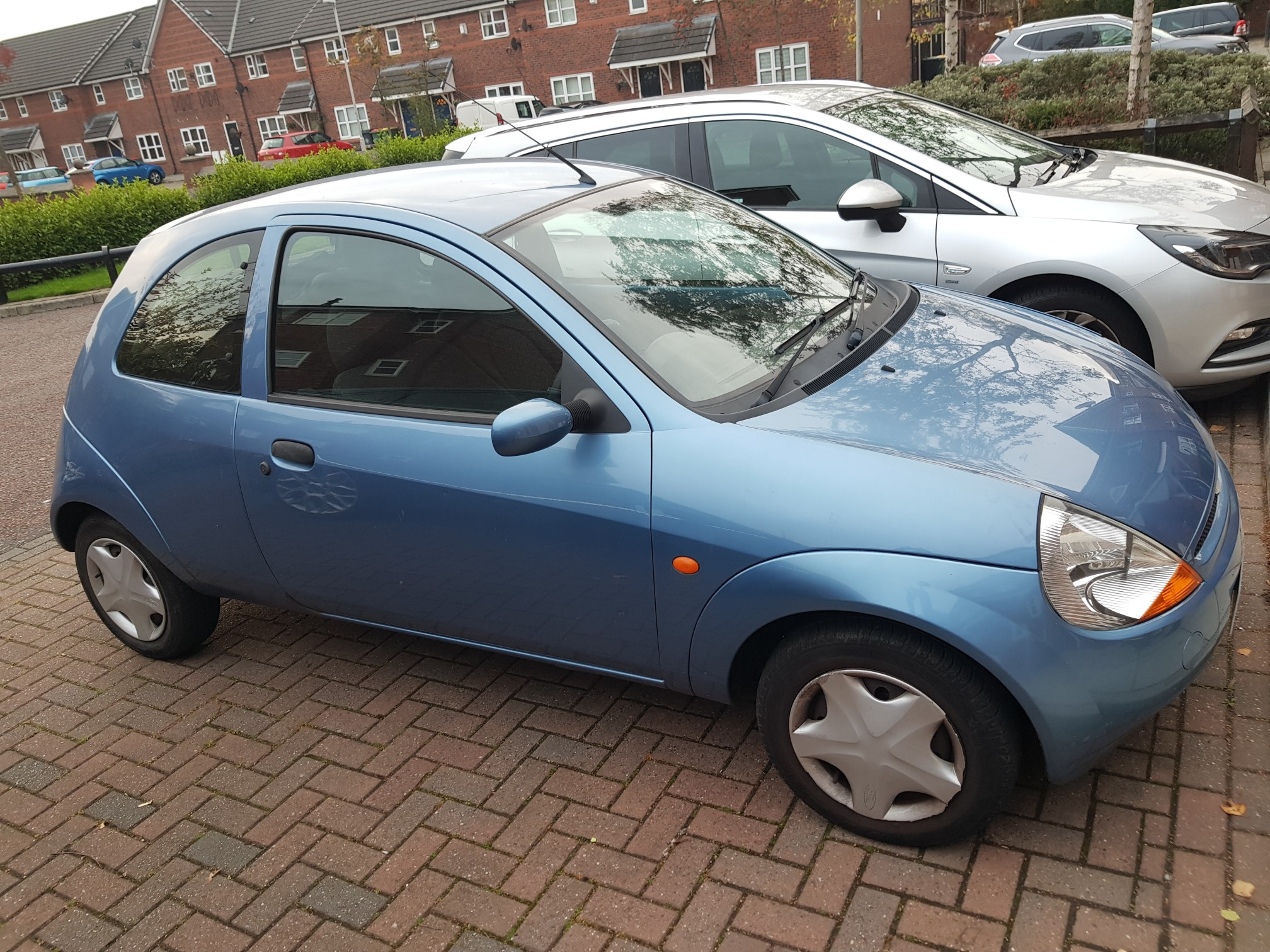 Mot Is Due Th November  Usual Ford Ka Problems Bits Of Rust Here And There As Shown In Pictures Rear