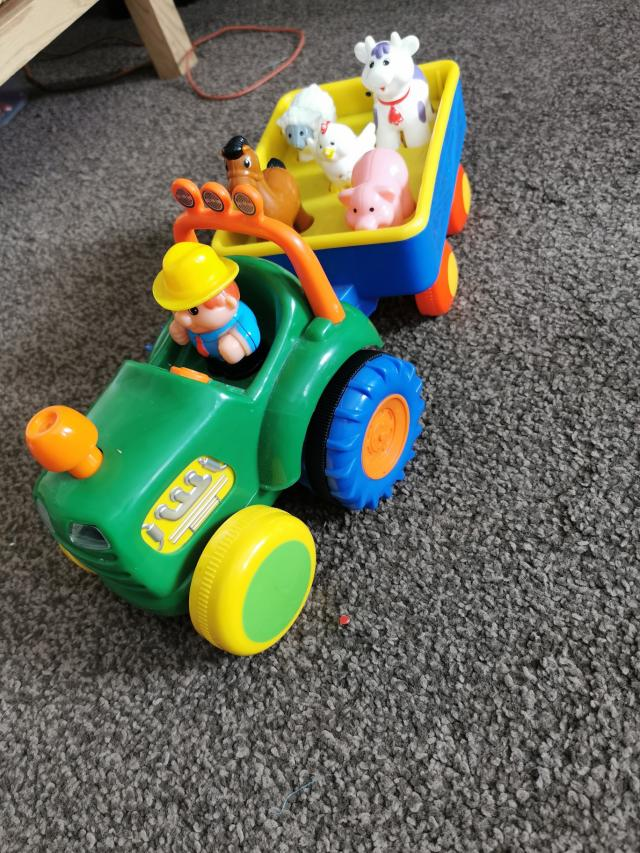 Preview of the first image of kids tractor.