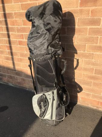 Image 1 of MAXFLI GOLF BAG with Clubs