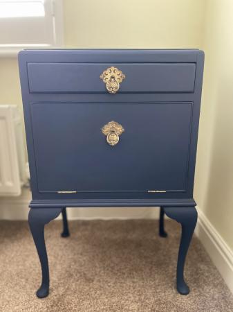 Image 1 of Stunning vintage cabinet