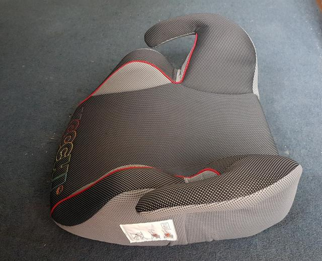 Preview of the first image of KOOCHI Booster Car Seat 15-36 kg.