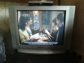 b65df48232ce Samsung 25inch box colour TV for sale hardly used bought from new £140 grey  colour good quality picture + free digy box worth £25 included real bargain  sell ...