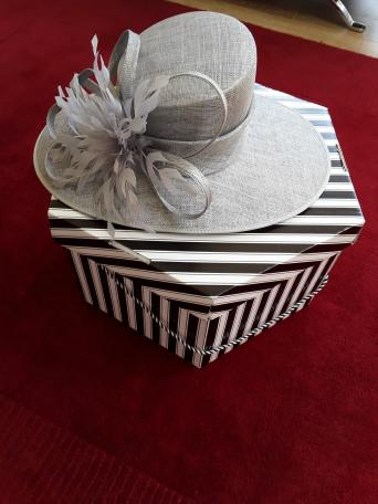 Second Hand Wedding Hats Sale Women S Clothes