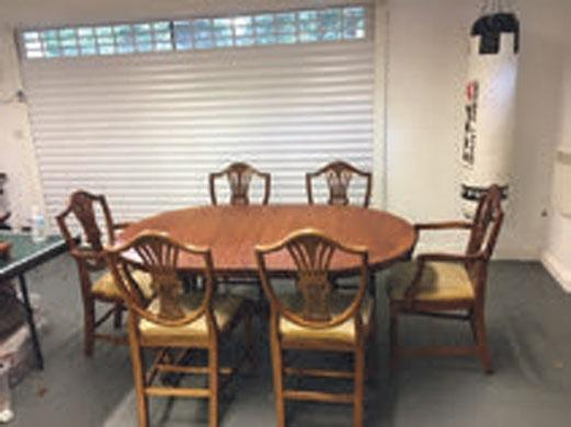 Swell Mahogany Dining Table And Chairs For Sale In Swansea West Glamorgan Preloved Home Interior And Landscaping Palasignezvosmurscom