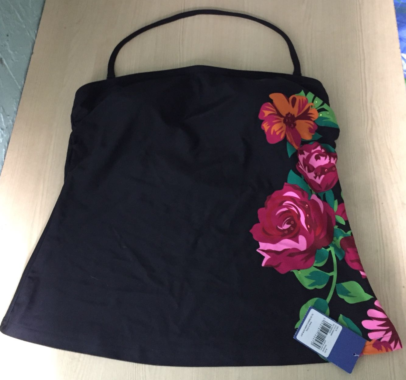Size 18 bikini  tankini top - Sheffield, South Yorkshire - Brand new and unworn still with tags on, beautiful bikini top size 18. Black with floral design. If you have any questions please feel free to message me and I will get back to you as soon as possible. Thank you for looking :) - Sheffield, South Yorkshire