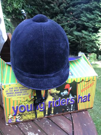 second hand riding hats - Second Hand Horse Tack and Clothing 8c0e0af471ea
