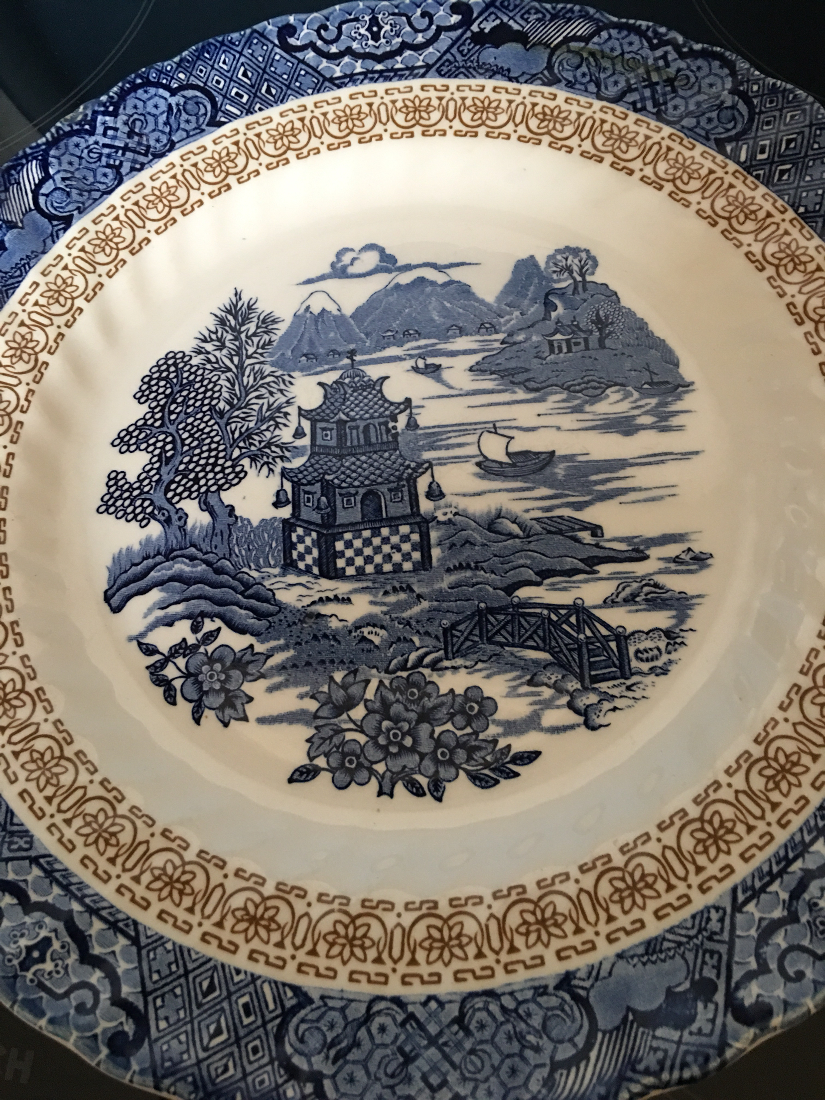 Willow pattern dinner plate by Grindley of Staffordshire & willow pattern - Collectible China and Glass Buy and Sell in the UK ...