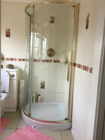 shower enclosures - Second Hand Bathroom Suites, Buy and Sell in ...