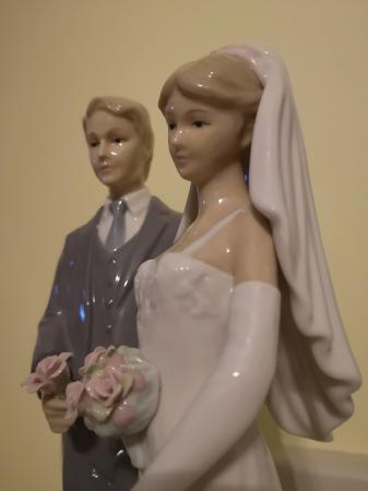 Image 3 of The Leonardo Collection Bride & Groom figurine