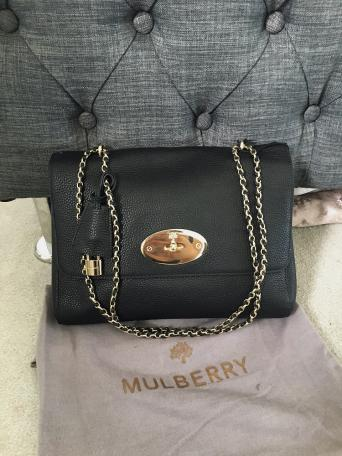 9090022e098 Please note I bought this bag 2nd hand a long time ago from Preloved and  haven't used it. It has been in its dustbag in a box kept in amazing.
