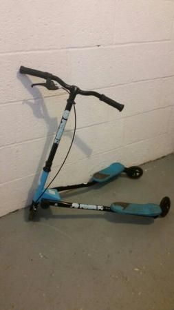 Y Fliker Scooter >> Y Fliker Scooter Blue For Sale In Rochdale Lancashire Preloved